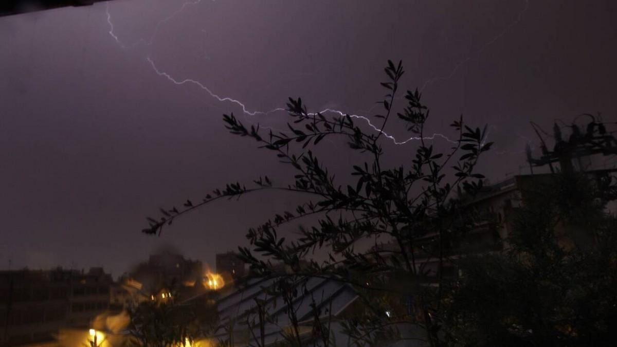 Έκτακτο δελτίο επιδείνωσης καιρού: Έρχονται ισχυρές βροχές και καταιγίδες από το βράδυ