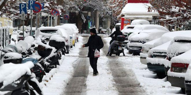 Κακοκαιρία «Μήδεια»: Έπεσαν τα πρώτα χιόνια – Πότε θα «χτυπήσει» την Αττική – Δείτε live την πορεία της